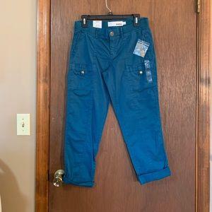 Sonoma goods for life blue capris size 4